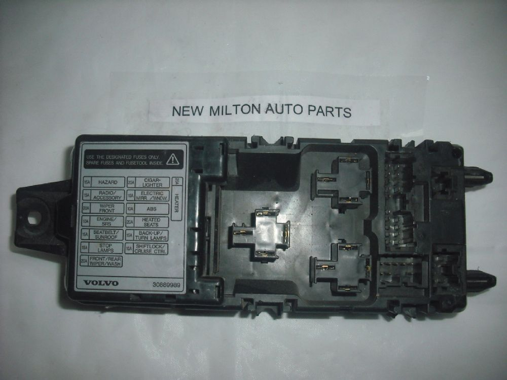 1996 1999 volvo v40 and s40 interior fuse box controller. Black Bedroom Furniture Sets. Home Design Ideas
